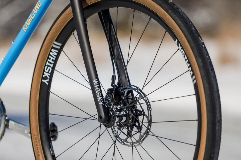 Front wheel details.